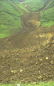 Close view of landslides that did not reach R?o Paez