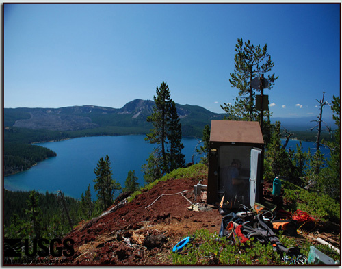 Installation of a hut for the monitoring instruments at Newberry volcano