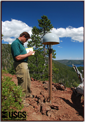 Installation of a GPS reciever at Newberry volcano