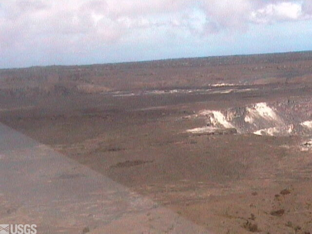 Halema´uma´u, Kilauea Volcano webcam (left of panoroma)