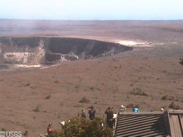 Halema´uma´u, Kilauea Volcano webcam (right of panoroma)