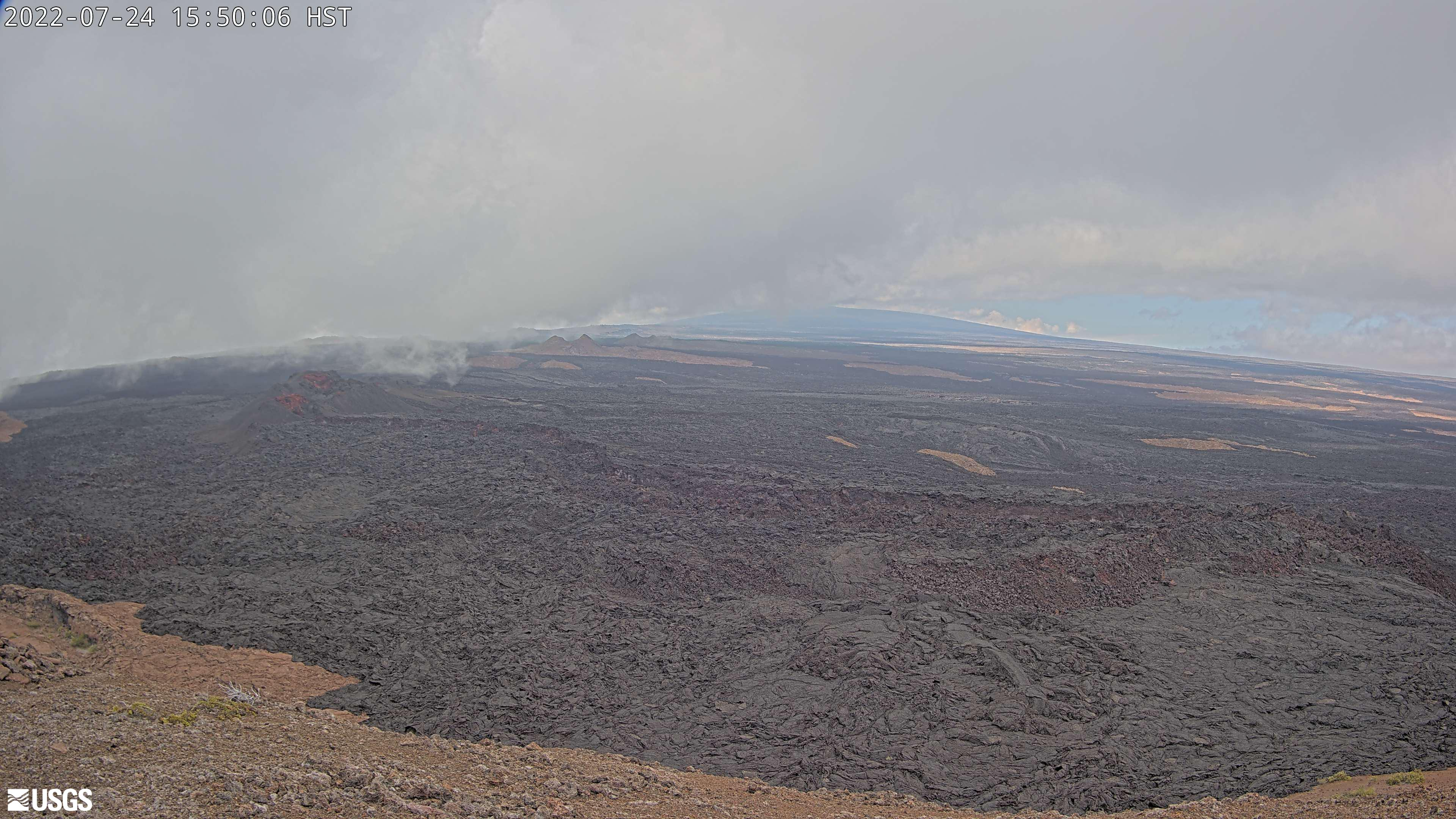 Middle of Mauna Loa Southwest Rift Zone [M2cam] preview image