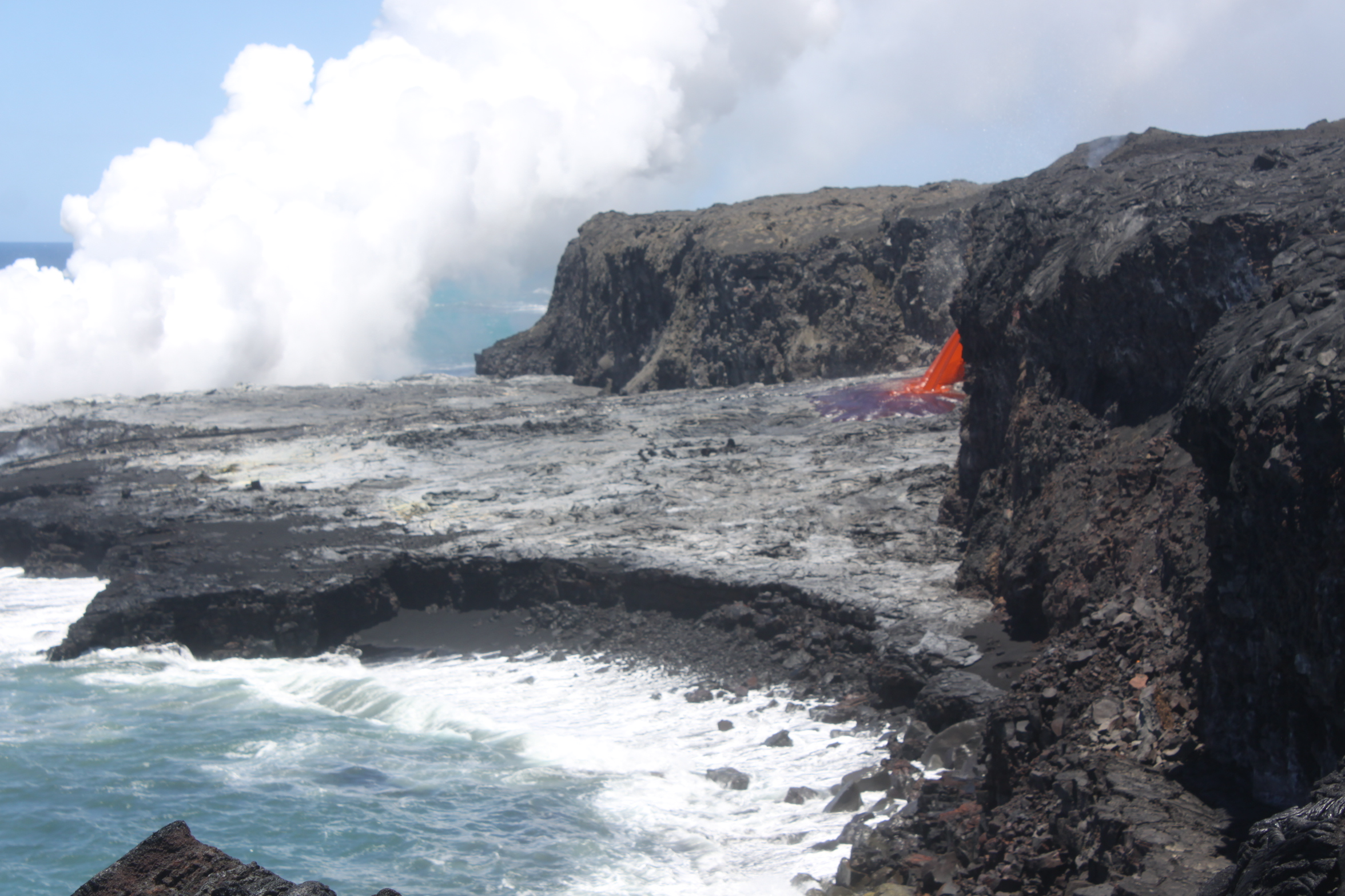 https://volcanoes.usgs.gov/observatories/hvo/multimedia_uploads/multimediaFile-1706.jpg
