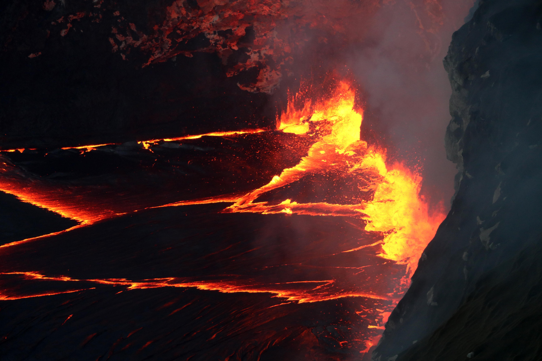 https://volcanoes.usgs.gov/observatories/hvo/multimedia_uploads/multimediaFile-1730.jpg