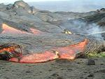 Lava in Kohola flow moves beyond rope barrier at Wilipe`a, Kilauea volcano, Hawai`i