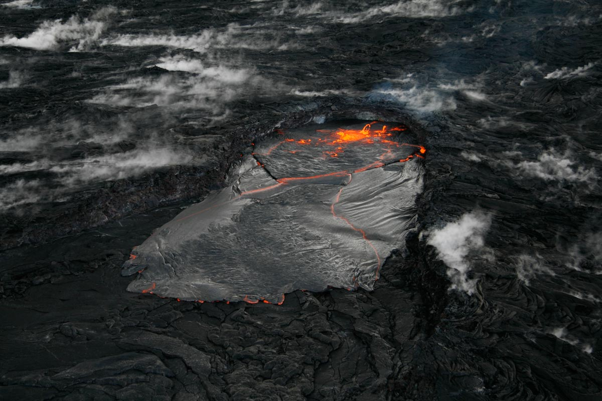 volcanic hazards 40 Rabaul volcano in papua new guinea has produced 3 small (10 km 3) low-aspect type flows in the last 4000 years and taupo volcano has produced one with a volume of 30 km 3 less than 2000 years ago.