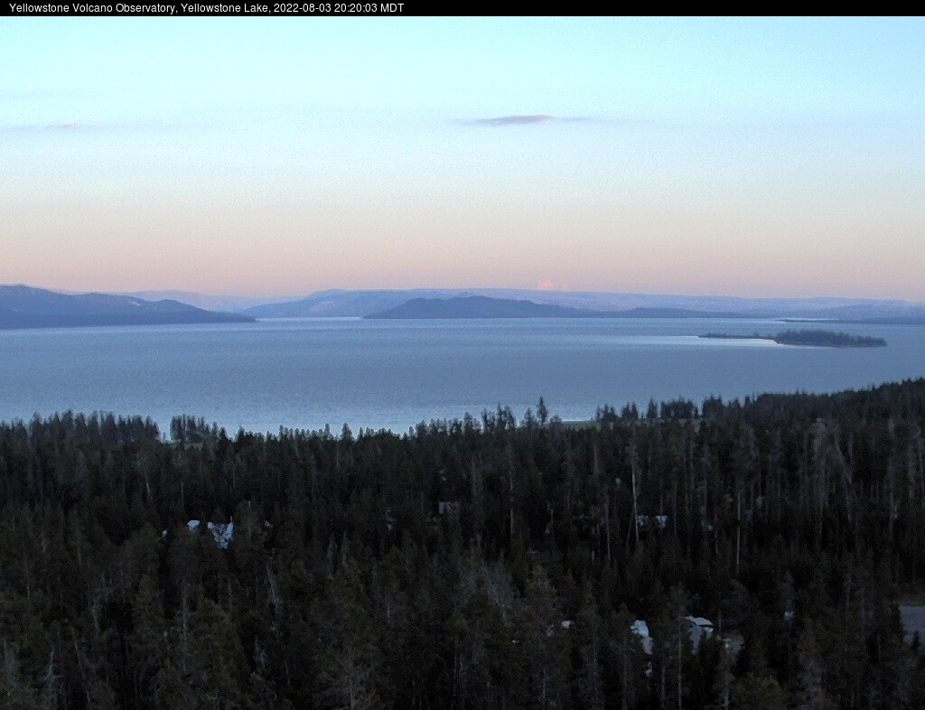Yellowstone Volcano Observatory's Webcam at Yellowstone Lake preview image