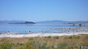Mono Lake from the Mono Visitor Center (west shore). Negit island is in the middle left and the north part of Paoha is on the right. (Click image to view full size.)