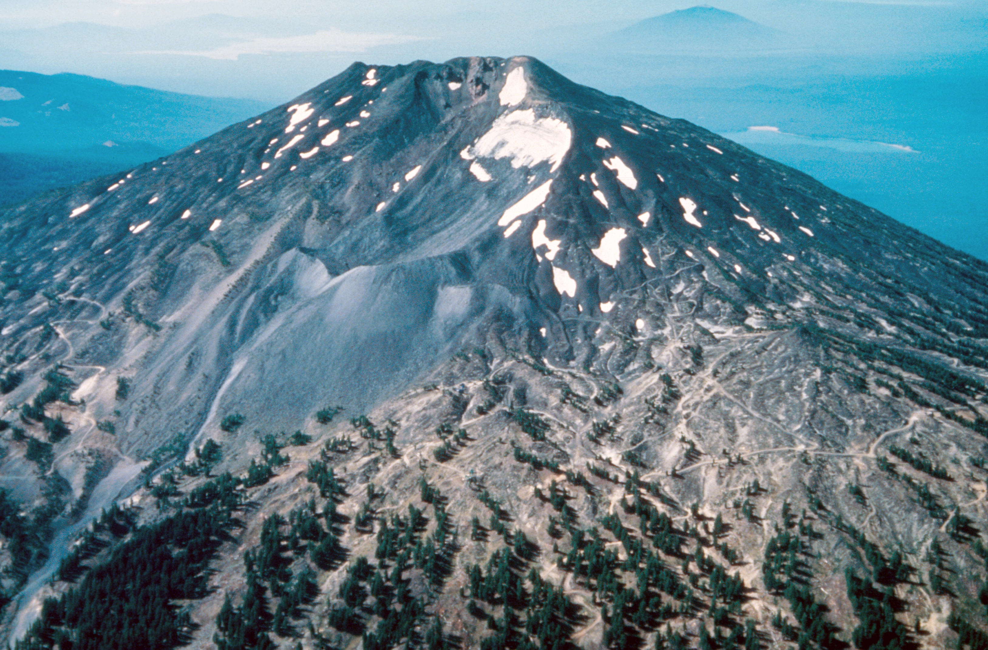 Investigating Plate Tectonics Earthquakes And Volcanoes Img