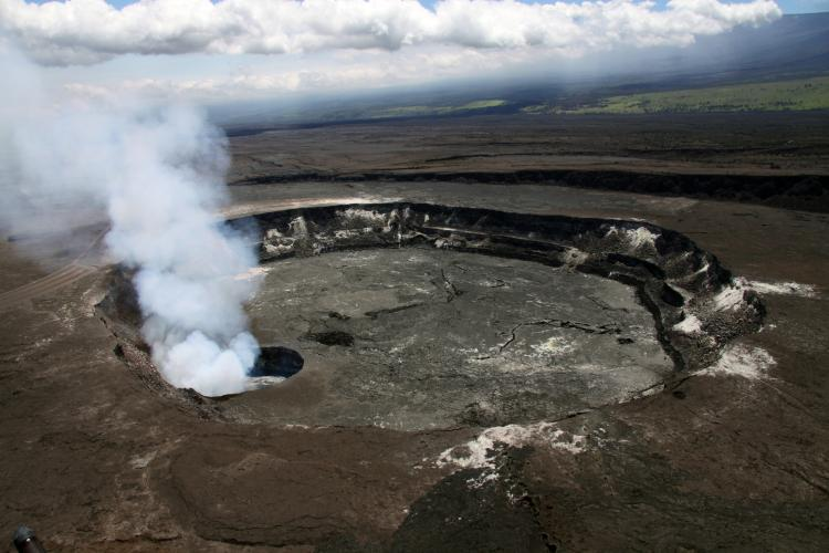 The summit eruption in HALEMAUMAU crater remains active.  The lava lake is within the Overlook crater (the source of the gas plume), which is in the southeast portion of HALEMAUMAU Crater.