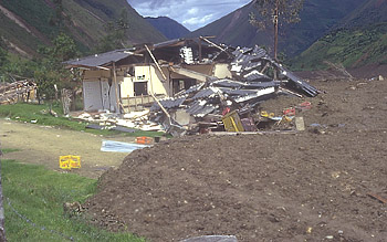 Town of Toez, Colombia, struck by earthquake and swept by lahar on June 6, 1994