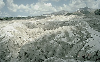 Gullies eroded in pyroclastic-flow deposits, Mount Pinatubo, Philippines
